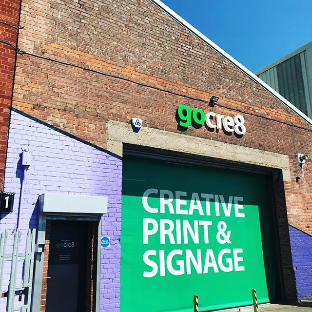 What a gorgeously sunny day today look at that blue sky #liverpool #posters #design #print #art #bluesky #sun