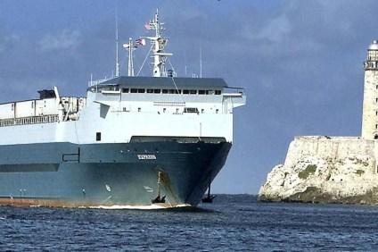 Do Hawany wpłynął statek handlowy z Miami