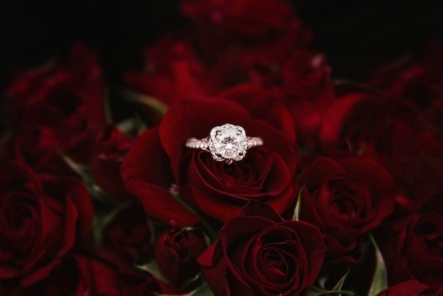 Valentine's Day Social Media Marketing Ring