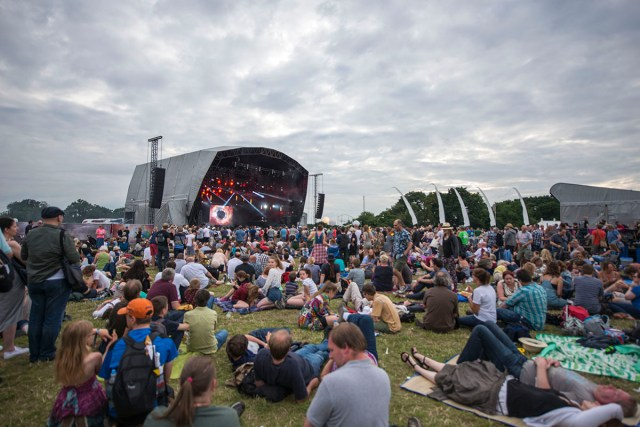 Bluedot_main stage