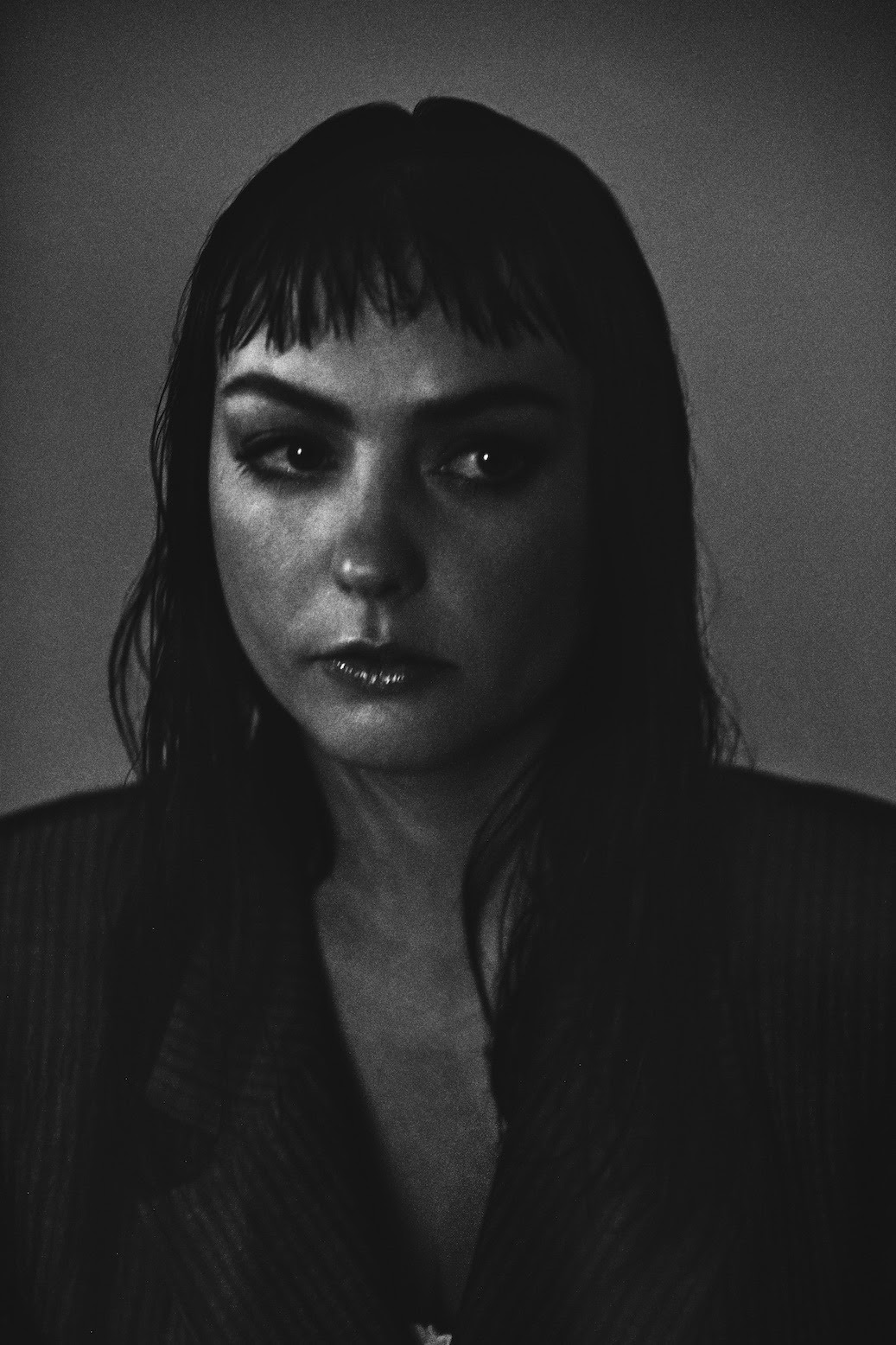 NEWS: Angel Olsen announces  'Whole New Mess' album and shares title track