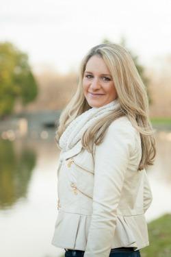 Kelly Balarie headshot