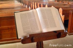 1033_32_3-Pulpit-Bible