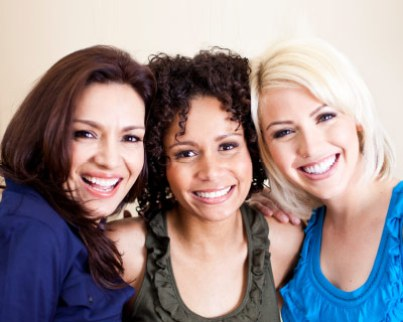 womengroup-of-3-woman-smiling