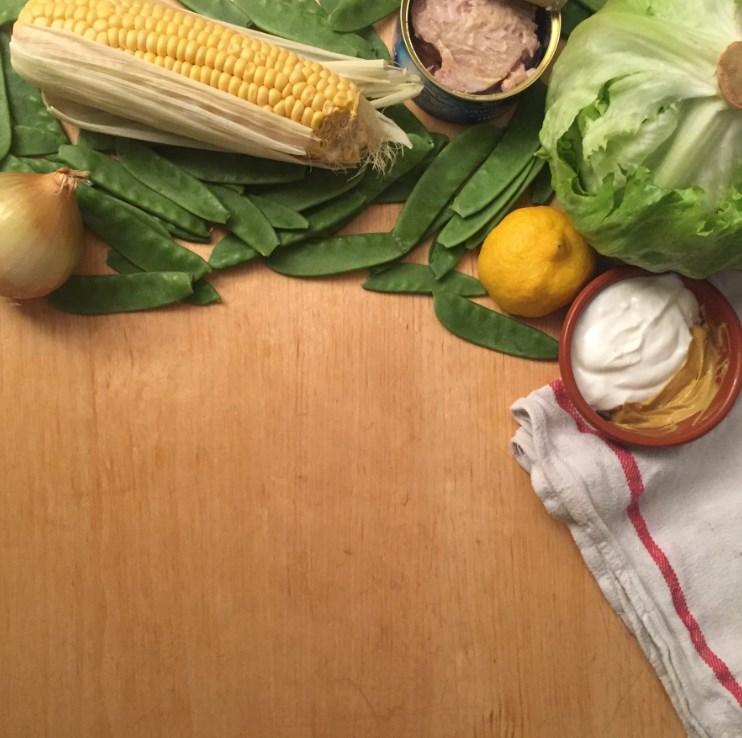 ingredienten voor slawraps nicoise met gezonde tonijnsalade
