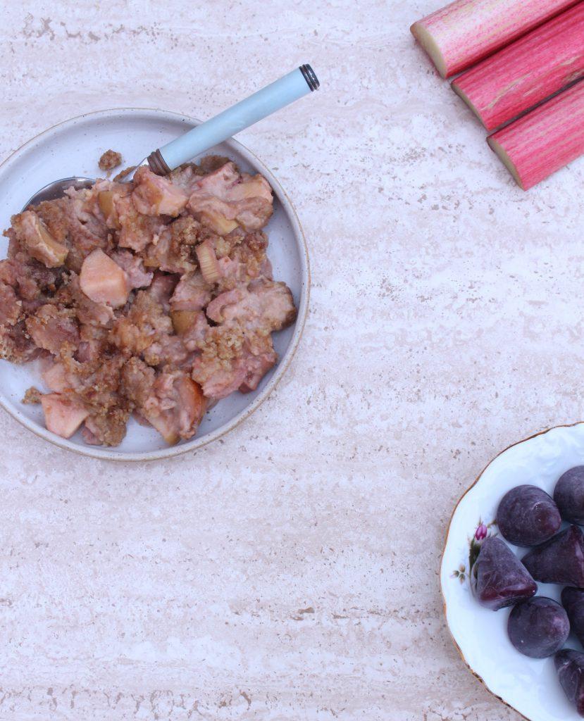 cuberdons rabarber crumble le creuset in de oven