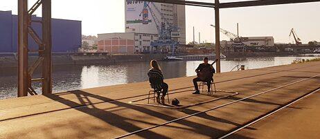 1:1-Konzert des Staatsorchesters Stuttgart mit Gitarrist Jonas Khalil am Hafen Stuttgart