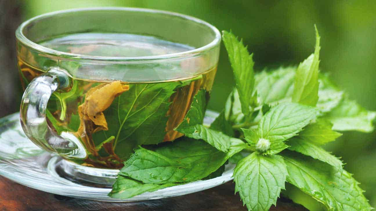 7 Amazing Foods to Heal Dry Skin