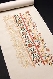 手描き 刺繍名古屋帯 白地の写真