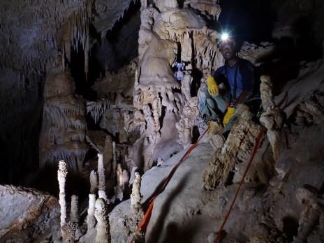 caving002