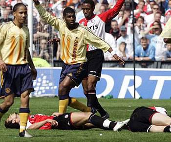 Ajax uitshirt 2005