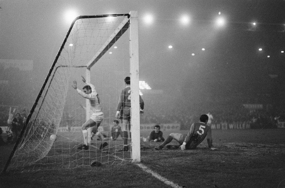 Ajax-Liverpool 1966 - foto Jack de Nijs (ANeFo)