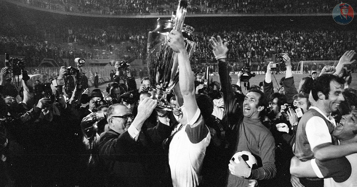 Rinus Israël Met De Eerste Europacup