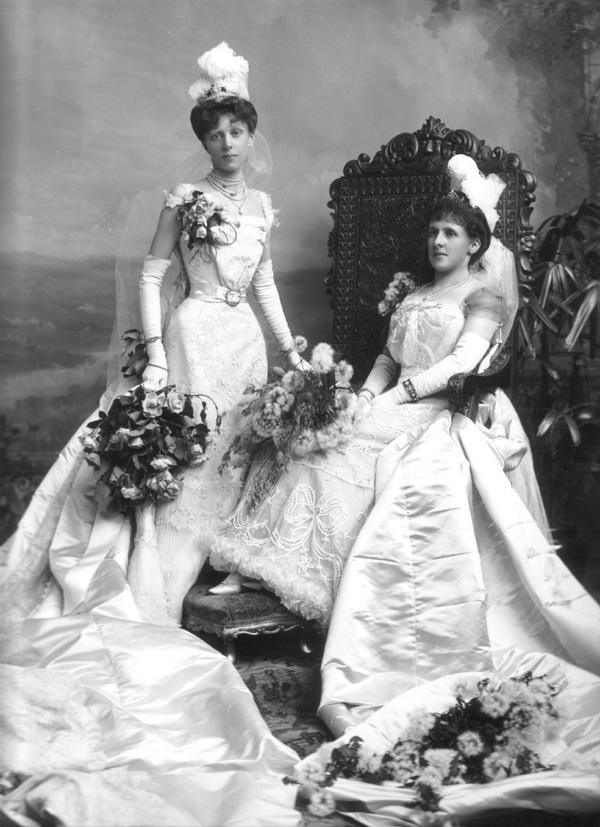 https://i1.wp.com/www.gogmsite.net/_Media/1899_debutante_and_sponsor_.jpg