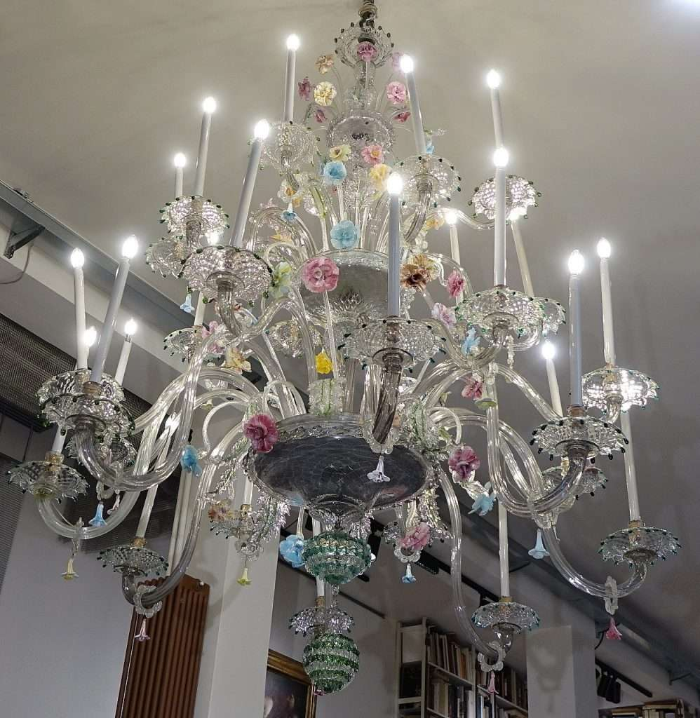Risparmia con le migliori offerte per lampadario murano 6 luci a settembre 2021! Grande Lampadario Antico In Vetro Di Murano Gabriele Gogna