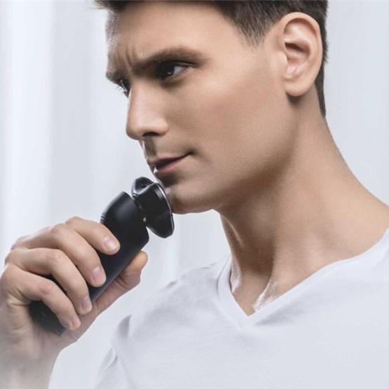 Elektrischer 3D Nass- Trocken- Rasierer mit Akku