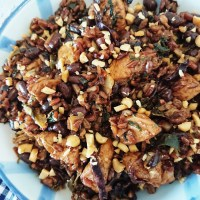 Stir-fried chicken with red rice