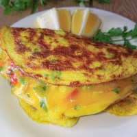 Omelet with turmeric and vegetables