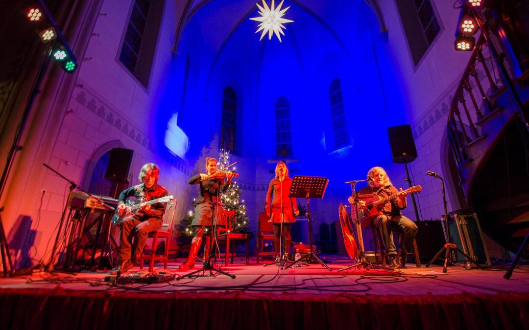 Buckley´s Chance – Acoustic World Music, Konzert am 11.12.2015 in der Friedenskirche Leipzig; Foto: Andreas Reichelt