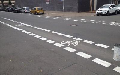 Fahrradmarkierungen auf der Breitenfelder Straße