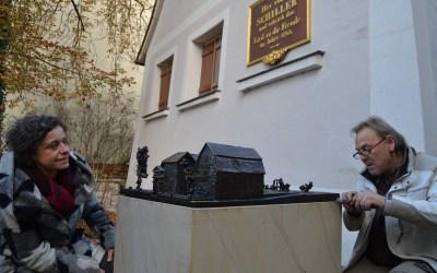 Schillerhaus en miniature als Tastmodell in Bronze