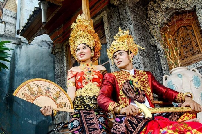 Indonesia Traditional Dress National Costume Indonesia Tours