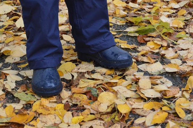 Muddy Puddles Puddlefleece Trousers over wellies