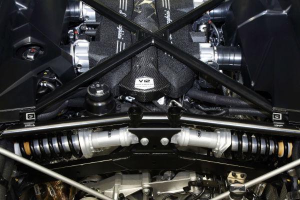 Lamborghini Aventador LP700 Süspansiyon