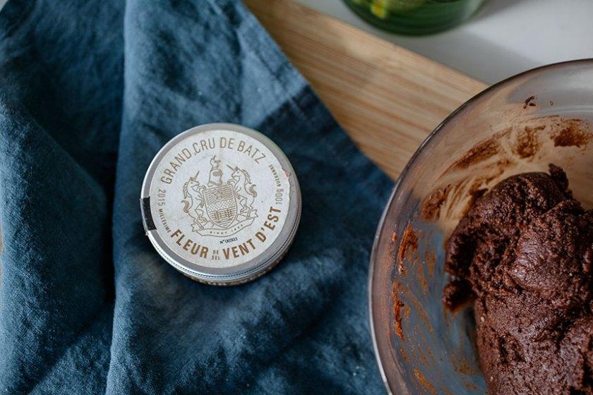 Chocolate Strawberry Truffles_3_Gold&Thyme