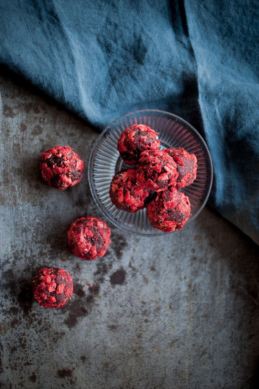 Chocolate Strawberry Truffles_9_Gold&Thyme