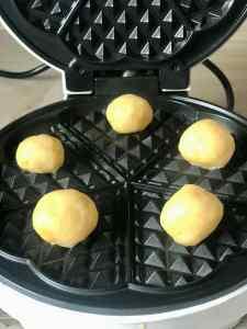 Waffelkekse werden gebacken
