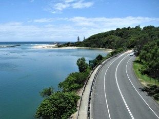road-to-currumbin-beach-2