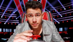 Nick Jonas has trouble finding his 'Voice' in season premiere: 'I'll start screaming if I have to!'