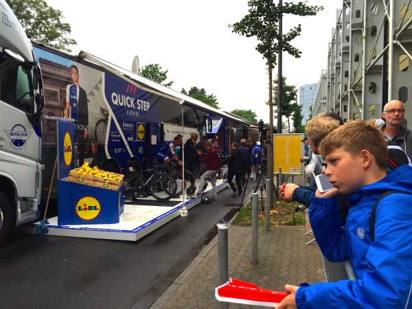 quick step team bus düsseldorf 2017