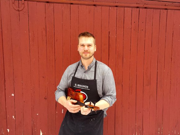 Vermont luthier Jacob Brillhart is volunteering to build a violin