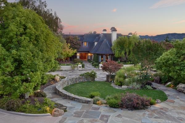 Magnificent Hilltop Estate 10 Winding Lane Front