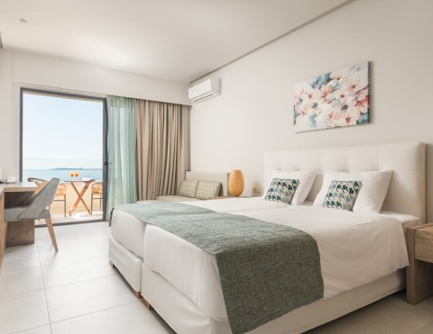 golden-mare-double-room-sea-view-883x683-new