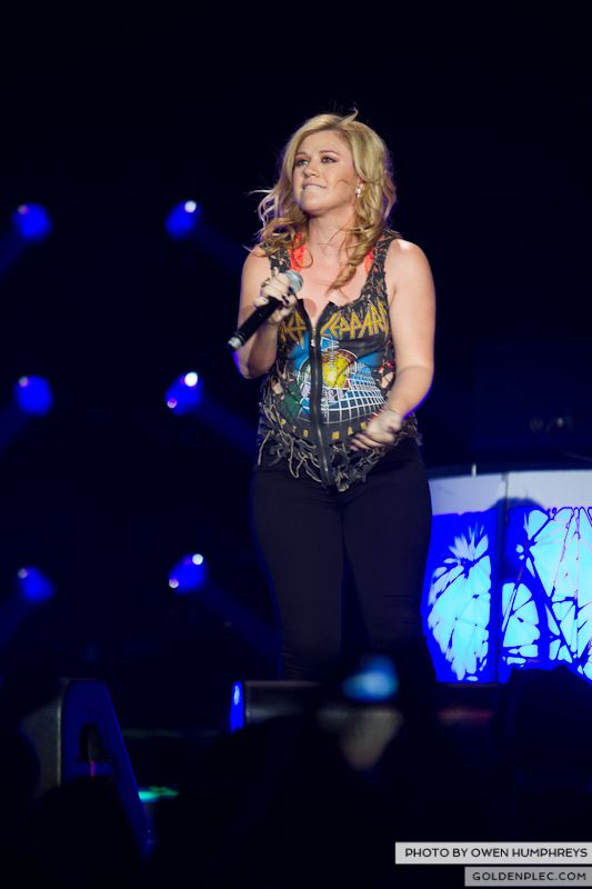 Kelly Clarkson @ The O2  by Owen Humphreys-16