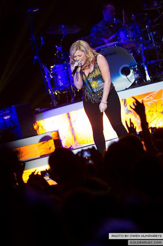 Kelly Clarkson @ The O2  by Owen Humphreys-6