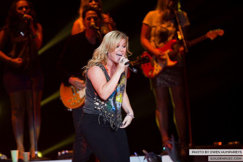 Kelly Clarkson @ The O2  by Owen Humphreys-8