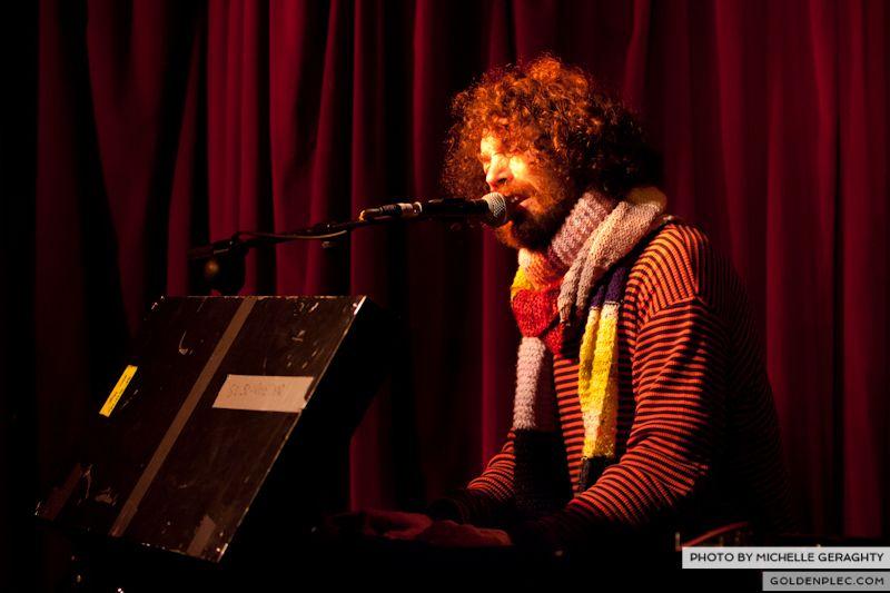 18 Nov 2012 – Si Schroeder at Whelans-4460
