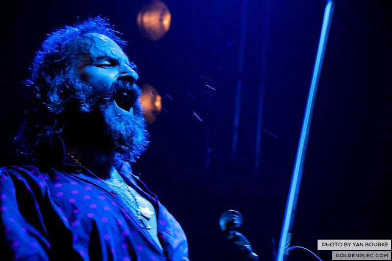 Dirty Three in the Button Factory on 23-11-2012 by Yan Bourke_14