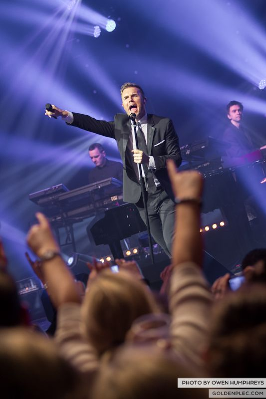 Gary Barlow @ The Olympia on 7-1-13 (11)