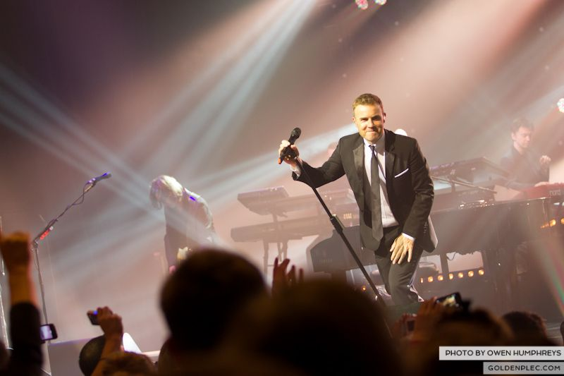 Gary Barlow @ The Olympia on 7-1-13 (14)