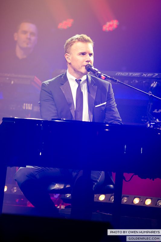 Gary Barlow @ The Olympia on 7-1-13 (4)