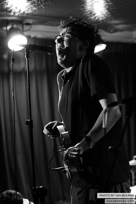 Croupier in Whelan's on 28062013 by Yan Bourke 04