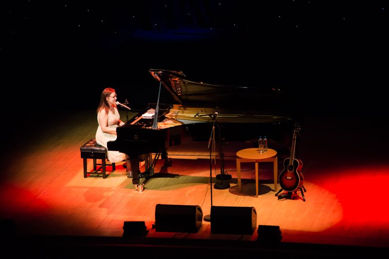 Iris Dement at NCH on 08-08-13 (5)