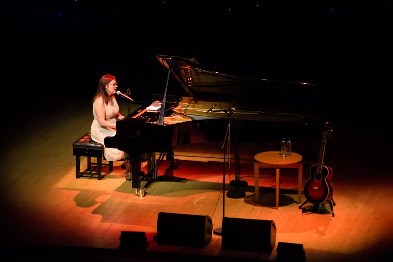 Iris Dement at NCH on 08-08-13 (7)