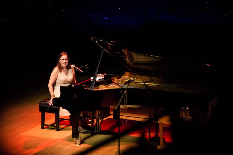 Iris Dement at NCH on 08-08-13 (8)