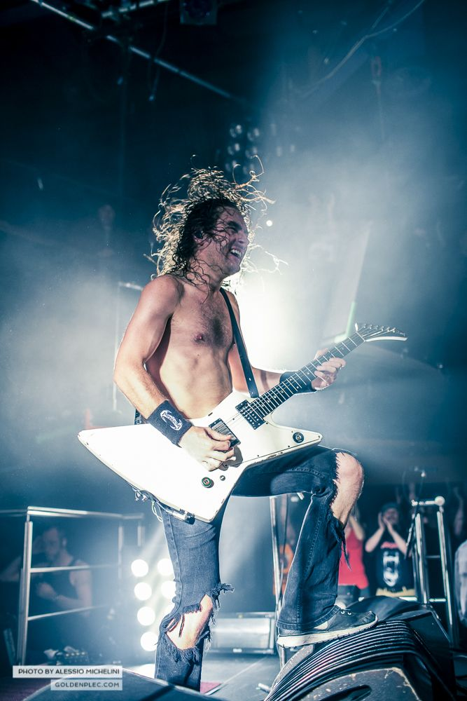 Airbourne-Academy-22-oct-2013-4